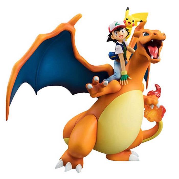 Figurine Pokémon Sacha Dracaufeu et Pikachu